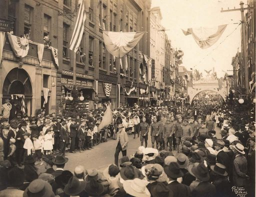 1920-asheville-parade-on-patton-avenue